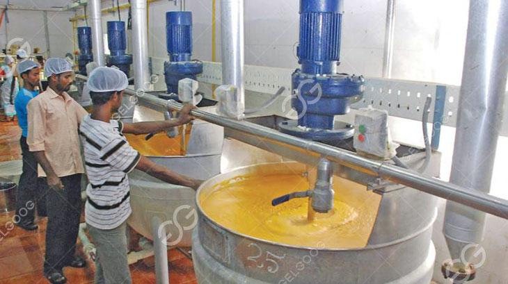 mango pulp cooking pot